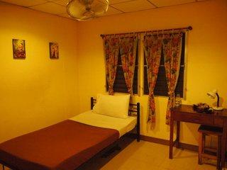 bangkok guesthouse.jpg