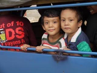 jeep kids.jpg