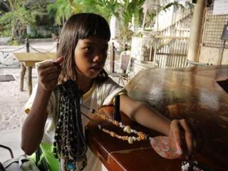 vendor girl.jpg